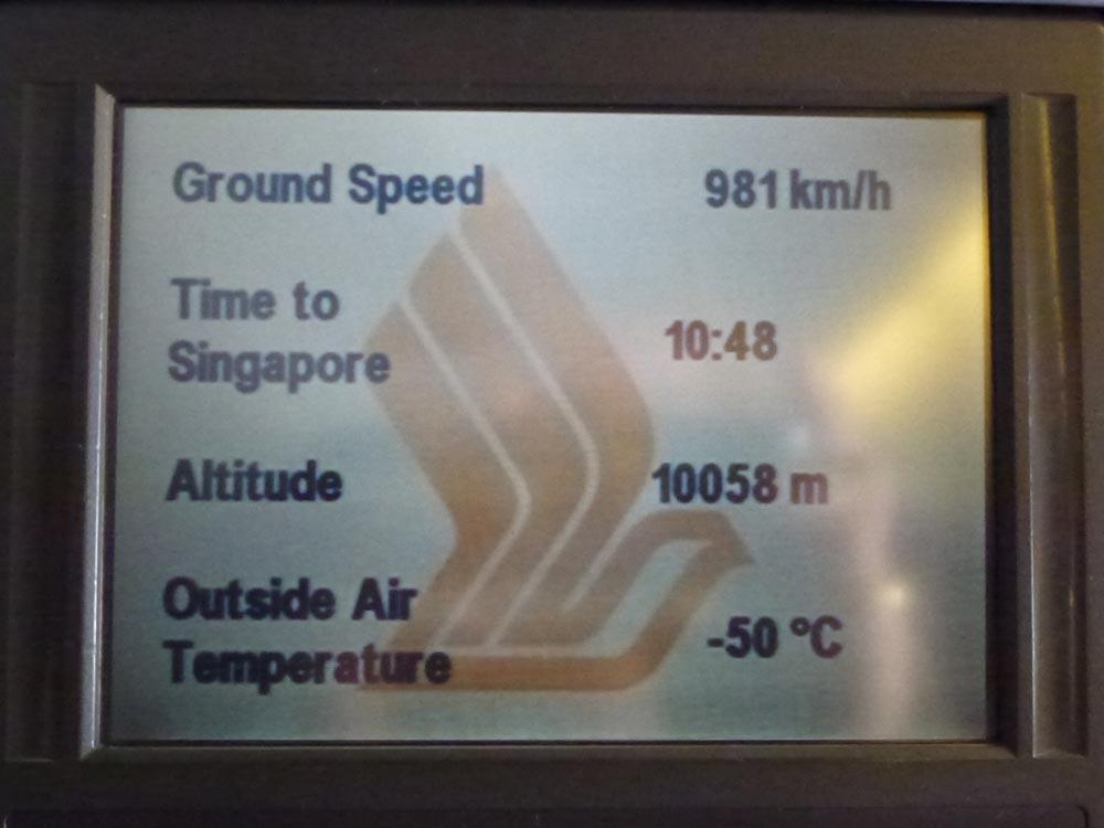 De lange zit is begonnen, nog 11 uur en dan zijn we pas in Singapore